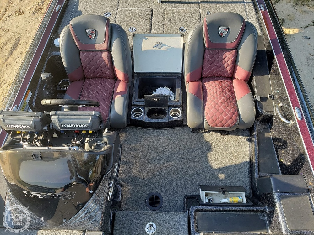 2016 Triton boat for sale, model of the boat is 21 TRX & Image # 17 of 40