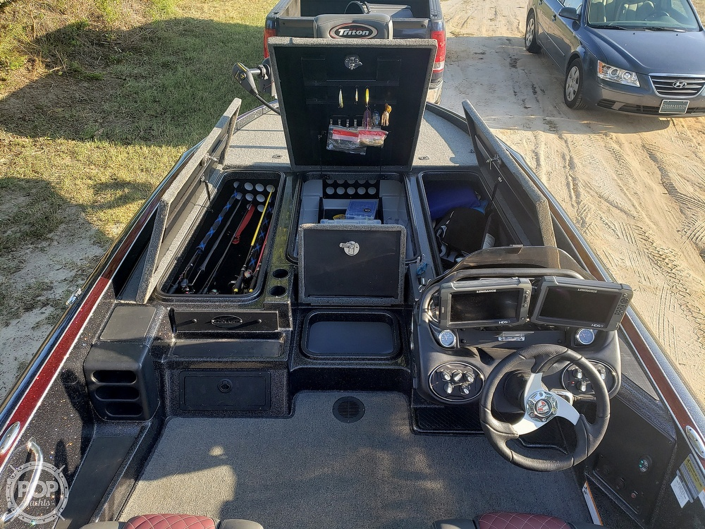 2016 Triton boat for sale, model of the boat is 21 TRX & Image # 15 of 40