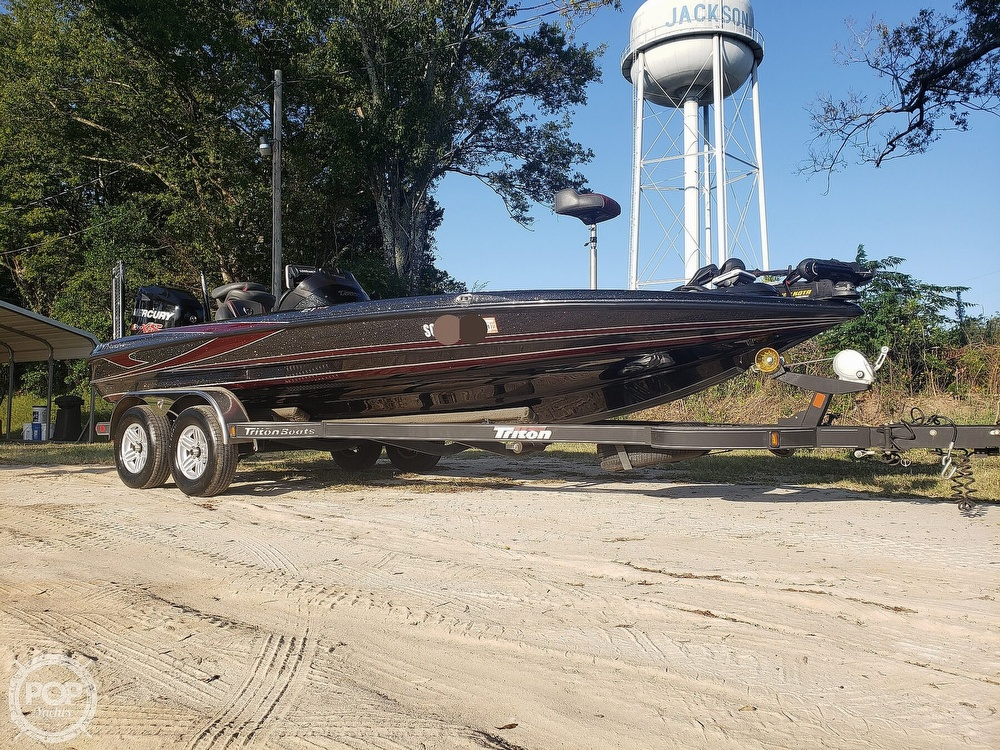 2016 Triton boat for sale, model of the boat is 21 TRX & Image # 14 of 40
