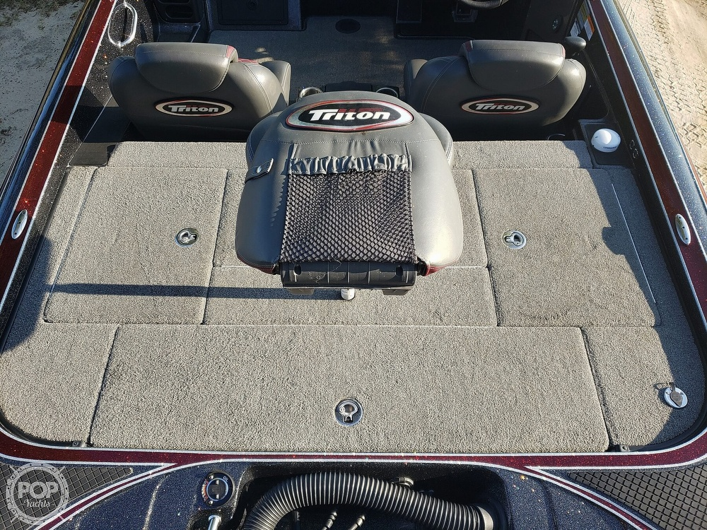 2016 Triton boat for sale, model of the boat is 21 TRX & Image # 12 of 40