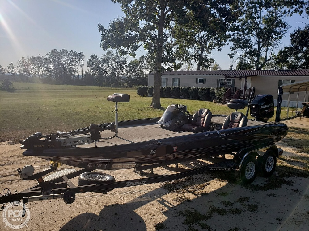 2016 Triton boat for sale, model of the boat is 21 TRX & Image # 11 of 40