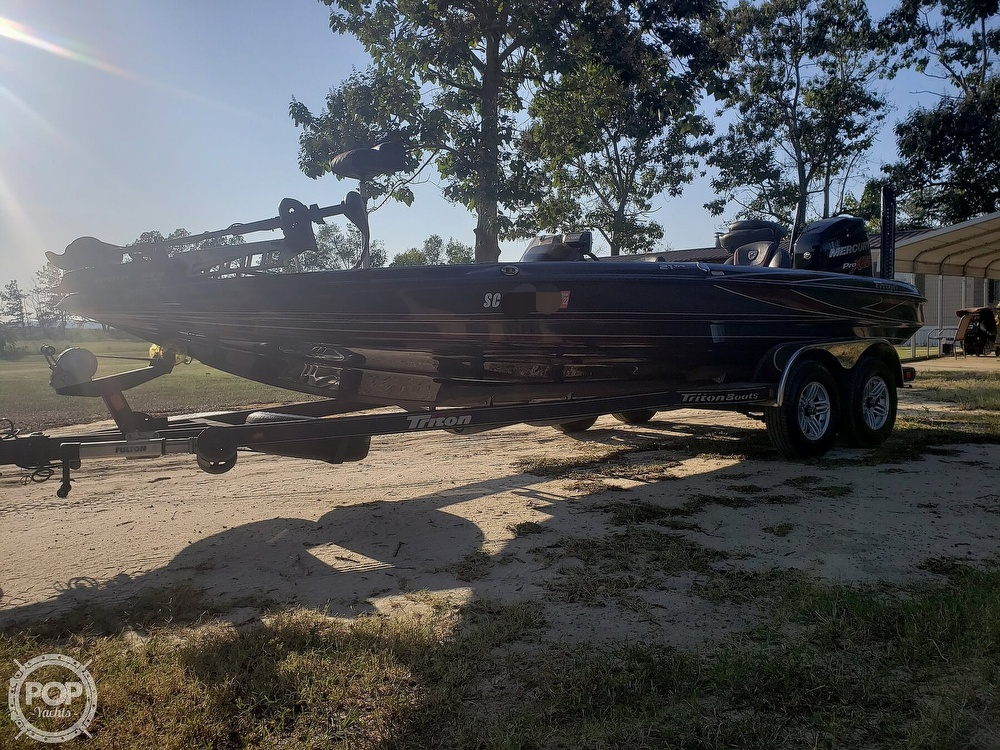 2016 Triton boat for sale, model of the boat is 21 TRX & Image # 10 of 40