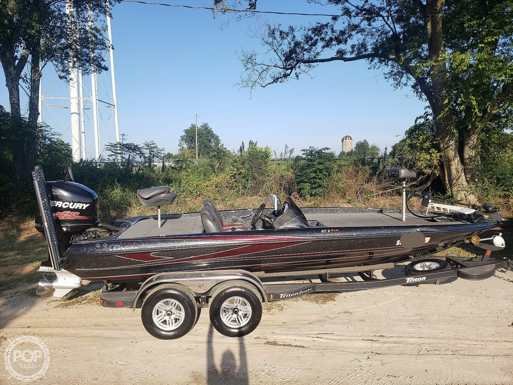 2016 Triton boat for sale, model of the boat is 21 TRX & Image # 8 of 40