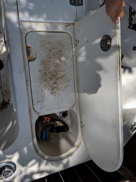 2000 Century boat for sale, model of the boat is 2600 WA & Image # 12 of 40