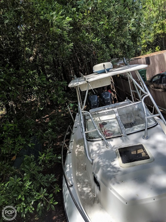 2000 Century boat for sale, model of the boat is 2600 WA & Image # 5 of 40