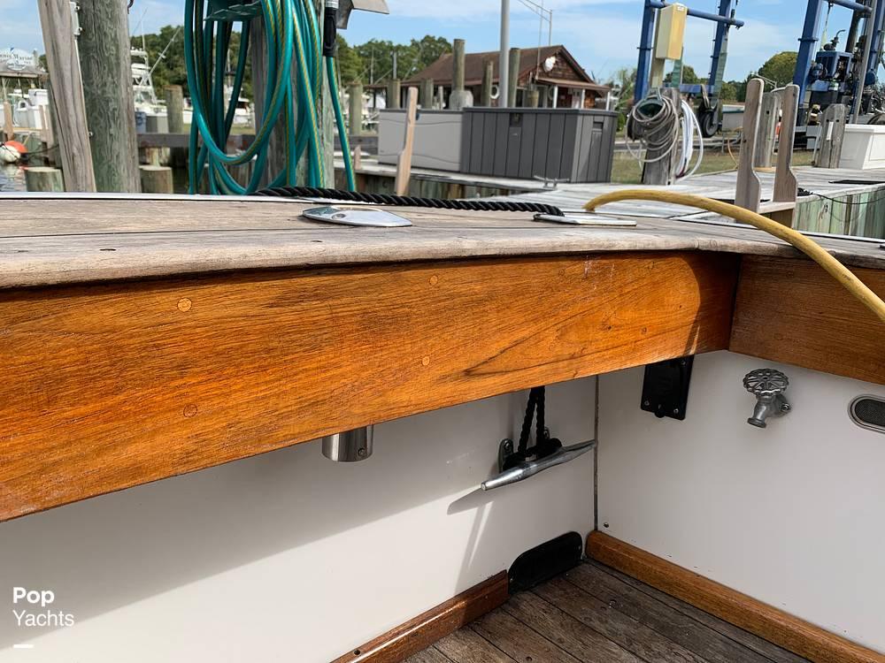 1976 Egg Harbor boat for sale, model of the boat is 33 Sedan Fisherman & Image # 20 of 41