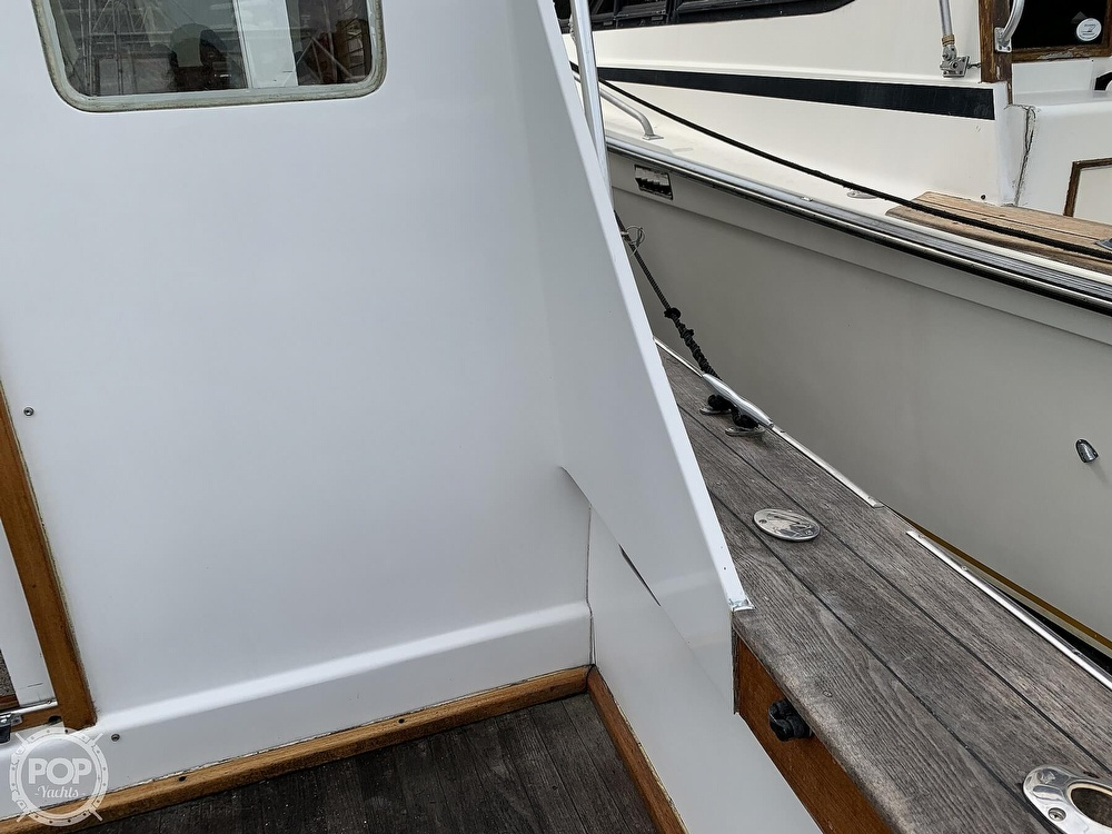 1976 Egg Harbor boat for sale, model of the boat is 33 Sedan Fisherman & Image # 29 of 41
