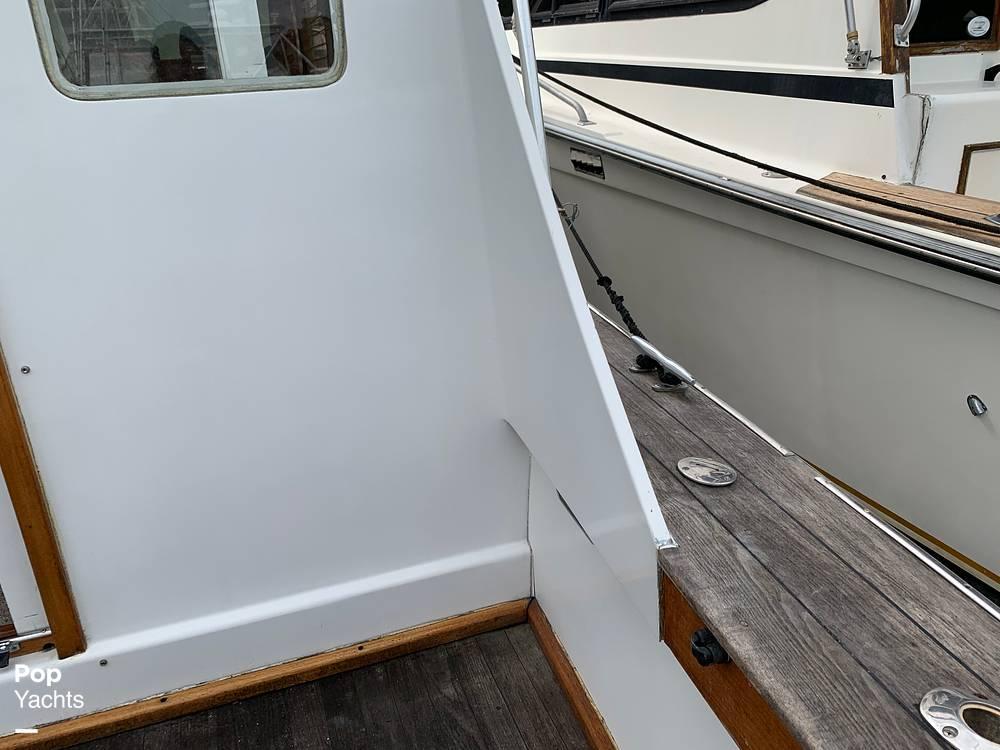 1976 Egg Harbor boat for sale, model of the boat is 33 Sedan Fisherman & Image # 30 of 41