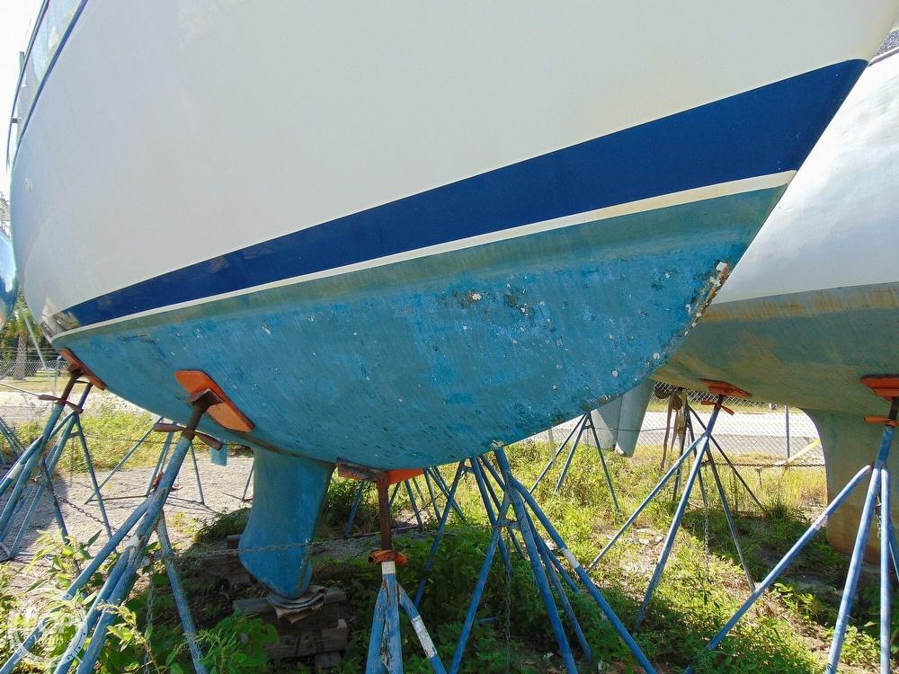 1980 Tartan T 33 - image 33