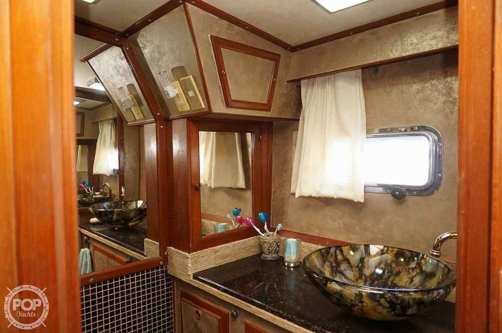 1987 Nova Marine boat for sale, model of the boat is Heritage East 44 & Image # 31 of 40