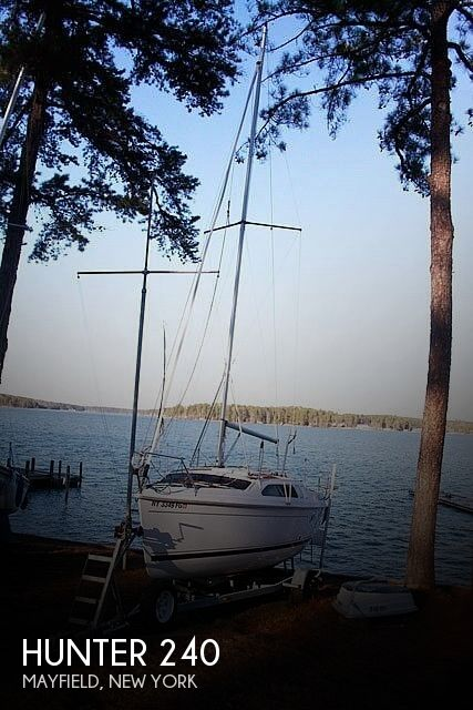 Used Hunter Sailboats For Sale in New York by owner | 2004 Hunter 240