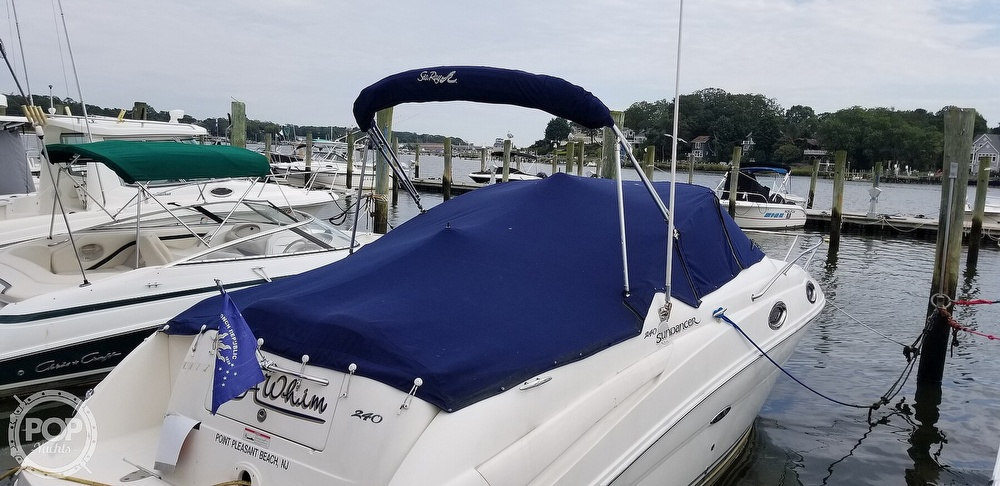 2007 Sea Ray boat for sale, model of the boat is 240 Sundancer & Image # 29 of 40