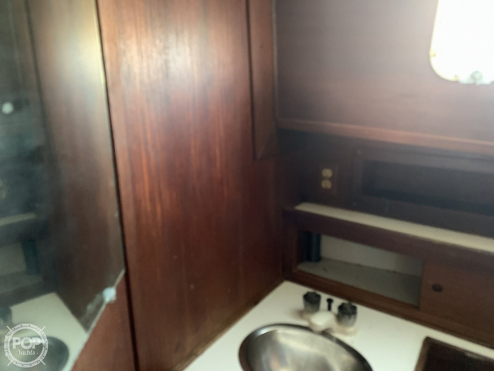 1976 Willard boat for sale, model of the boat is World Cruiser 30/8T & Image # 10 of 40
