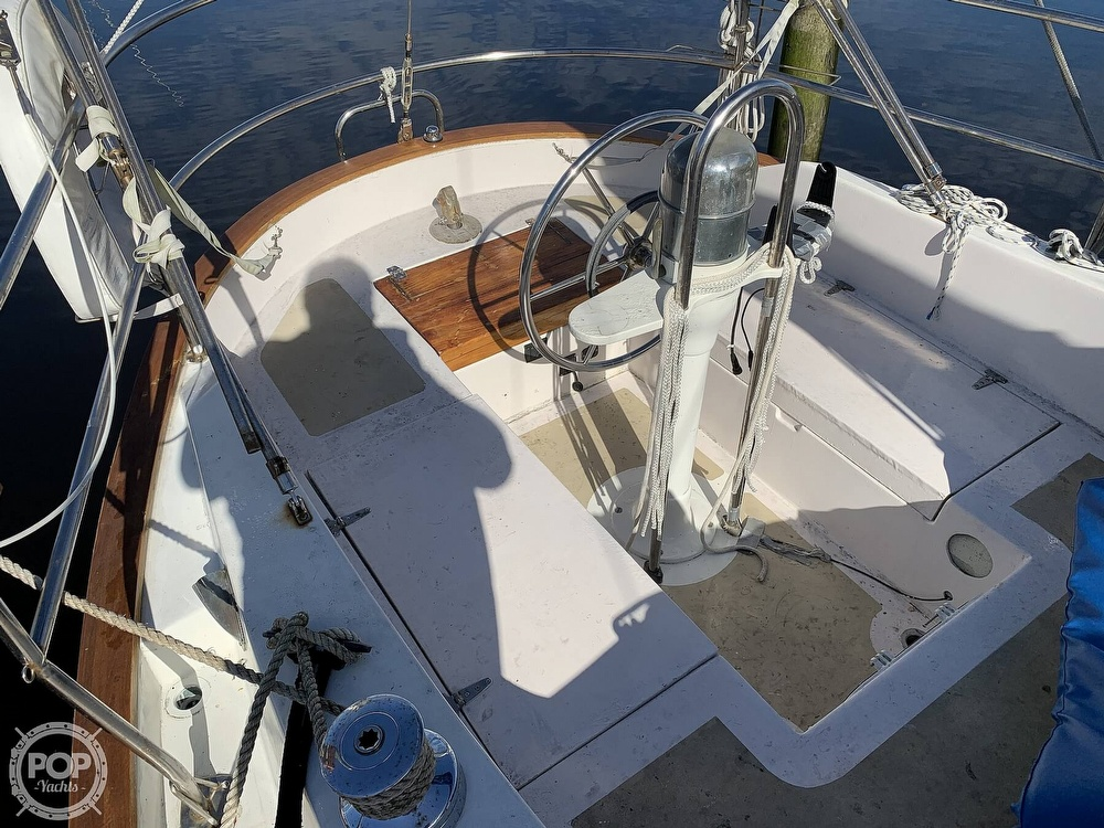 1976 Willard boat for sale, model of the boat is World Cruiser 30/8T & Image # 8 of 40