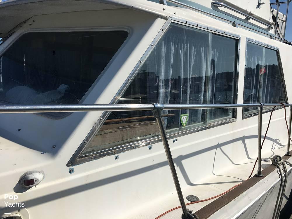 1974 Uniflite boat for sale, model of the boat is Sedan & Image # 10 of 41