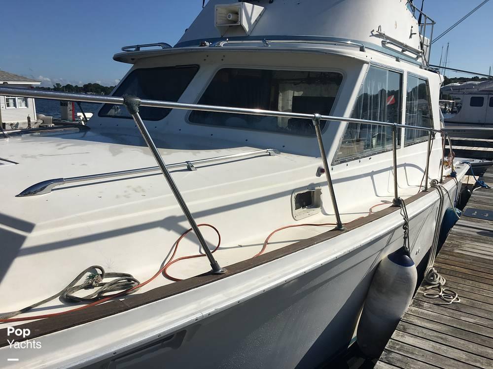 1974 Uniflite boat for sale, model of the boat is Sedan & Image # 3 of 41