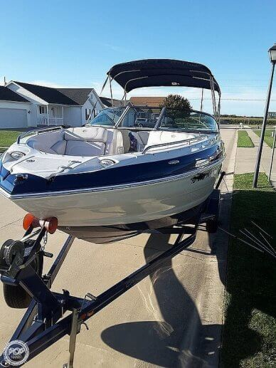 Crownline 245 SS, 25', for sale - $49,900