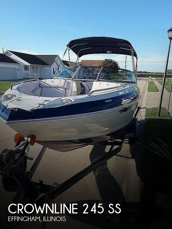 Used Boats For Sale in Springfield, Illinois by owner | 2011 Crownline 245 SS