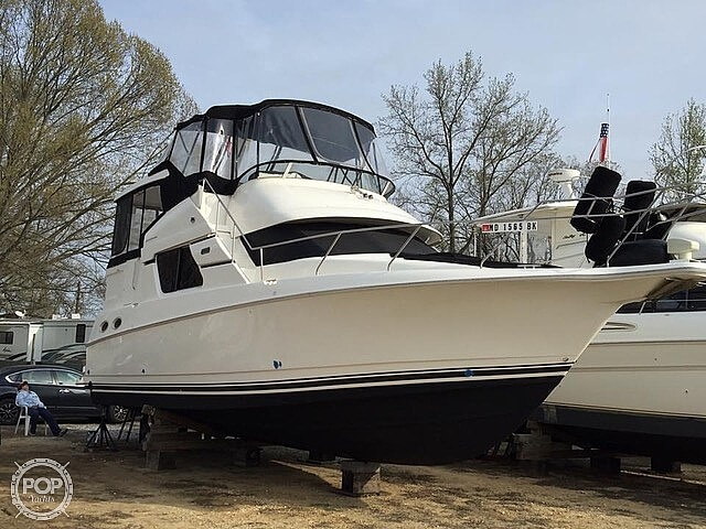 2002 Silverton boat for sale, model of the boat is 392 Aft cabin & Image # 4 of 41