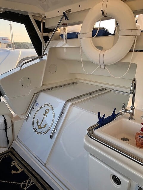 2002 Silverton boat for sale, model of the boat is 392 Aft cabin & Image # 12 of 41