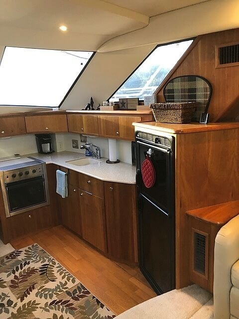 2002 Silverton boat for sale, model of the boat is 392 Aft cabin & Image # 32 of 41
