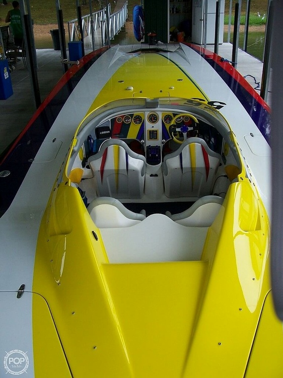 2004 MTI boat for sale, model of the boat is 39 R/P & Image # 3 of 40
