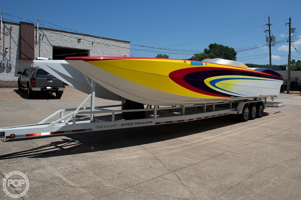 2004 MTI boat for sale, model of the boat is 39 R/P & Image # 12 of 40