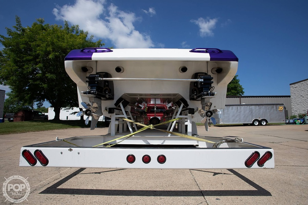 2004 MTI boat for sale, model of the boat is 39 R/P & Image # 17 of 40