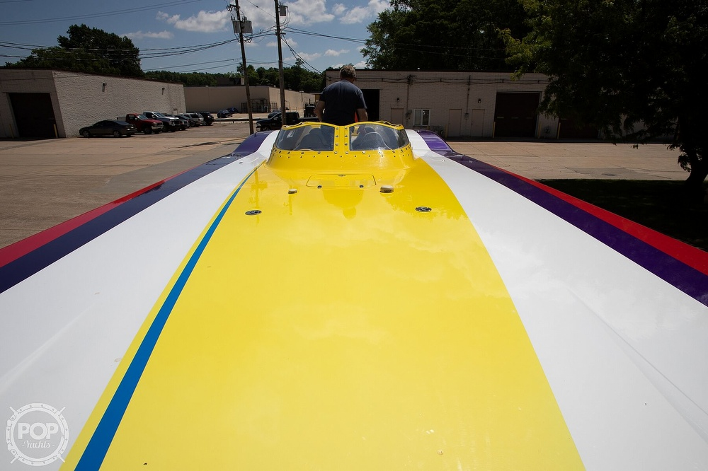2004 MTI boat for sale, model of the boat is 39 R/P & Image # 25 of 40