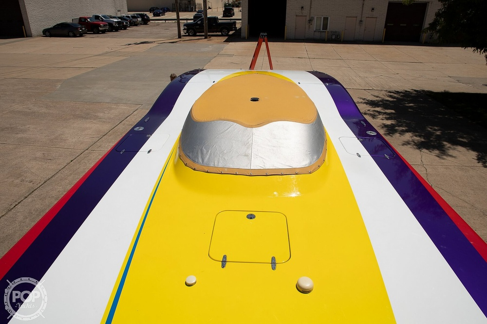 2004 MTI boat for sale, model of the boat is 39 R/P & Image # 27 of 40