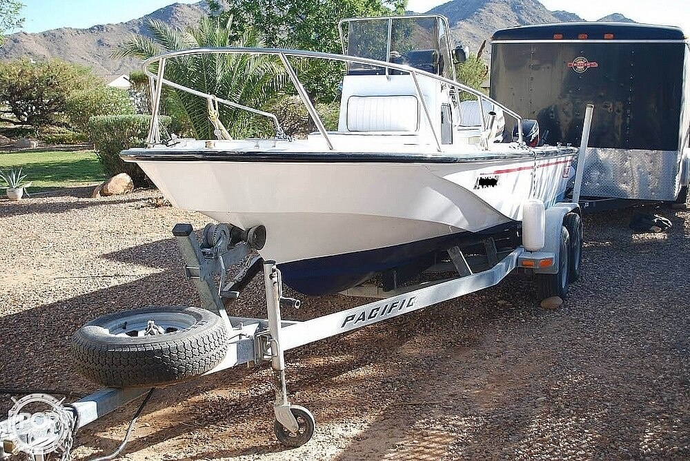 1990 Boston Whaler Outrage