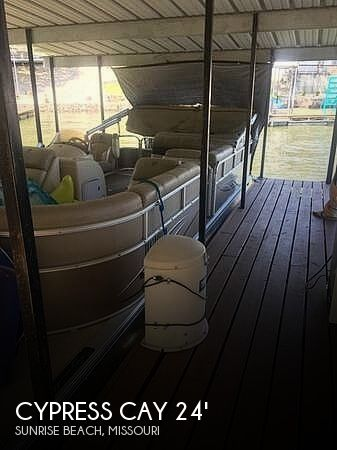 Used CYPRESS CAY Boats For Sale by owner   2010 Cypress Cay 22