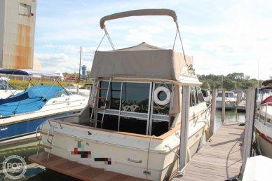 1981 Sea Ray SRV 310 Vanguard Sedan Bridge - #1