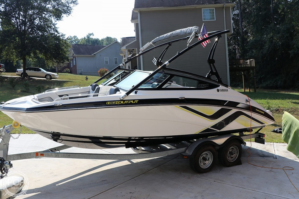 2015 Yamaha boat for sale, model of the boat is 212X & Image # 25 of 40