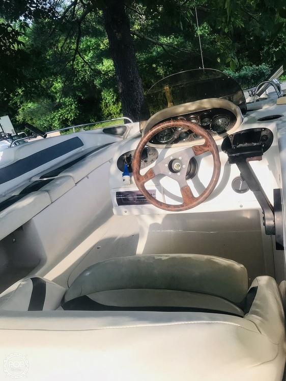 2003 Starcraft boat for sale, model of the boat is Aurora 2000 & Image # 19 of 40
