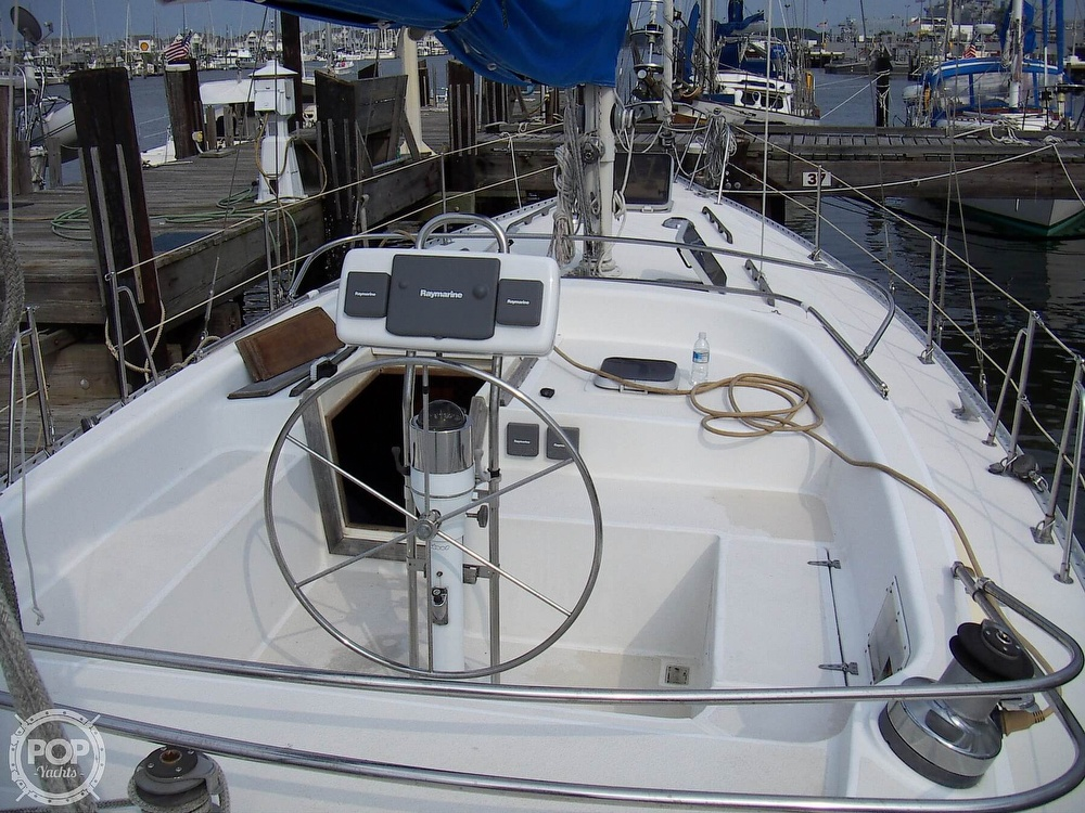 1987 Morgan boat for sale, model of the boat is 41 CATALINA CLASSIC Mark II & Image # 15 of 38