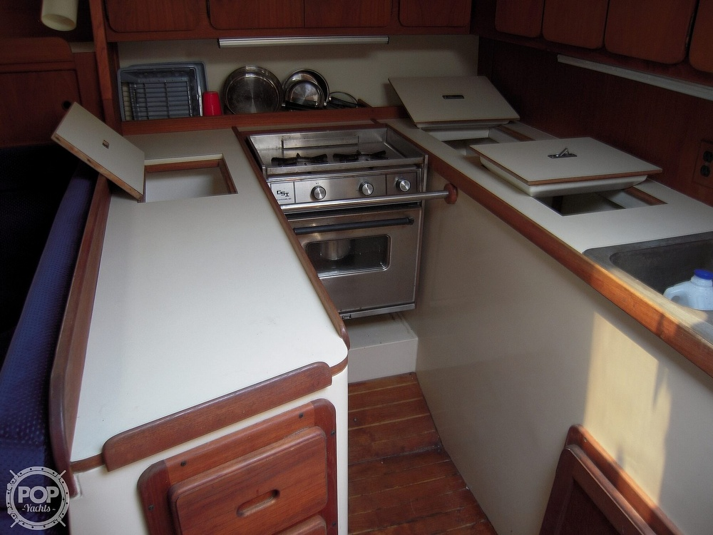 1987 Morgan boat for sale, model of the boat is 41 CATALINA CLASSIC Mark II & Image # 8 of 38