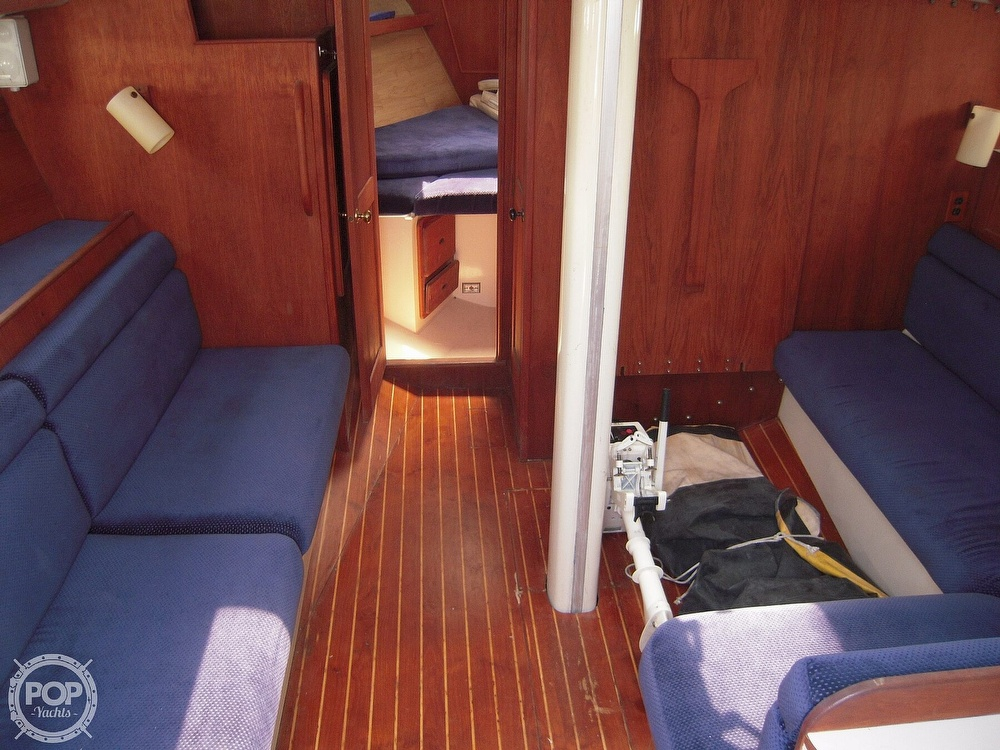 1987 Morgan boat for sale, model of the boat is 41 CATALINA CLASSIC Mark II & Image # 7 of 38