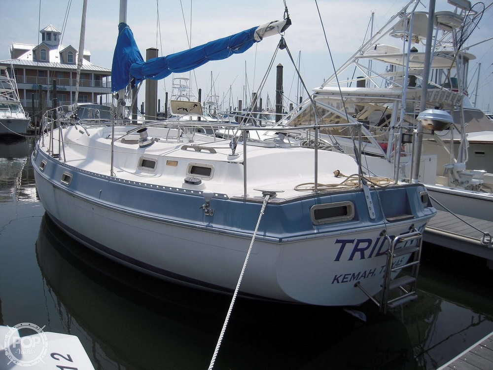 1987 Morgan boat for sale, model of the boat is 41 CATALINA CLASSIC Mark II & Image # 2 of 38