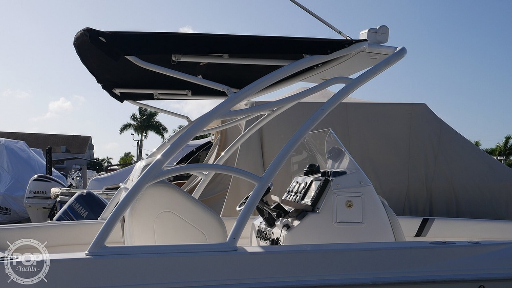 2006 Renegade boat for sale, model of the boat is 32 Center Console & Image # 4 of 40
