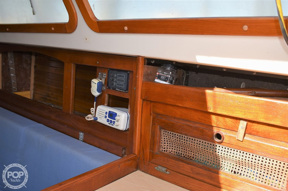 1983 CAL boat for sale, model of the boat is 31 & Image # 19 of 40