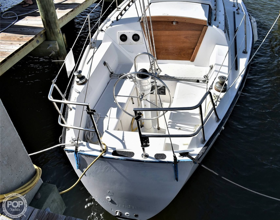 1983 CAL boat for sale, model of the boat is 31 & Image # 14 of 40