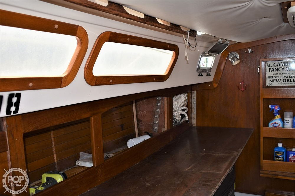 1983 CAL boat for sale, model of the boat is 31 & Image # 17 of 40