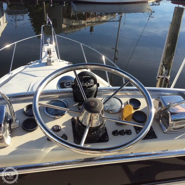 1989 Wellcraft boat for sale, model of the boat is 3300 Coastal & Image # 26 of 40