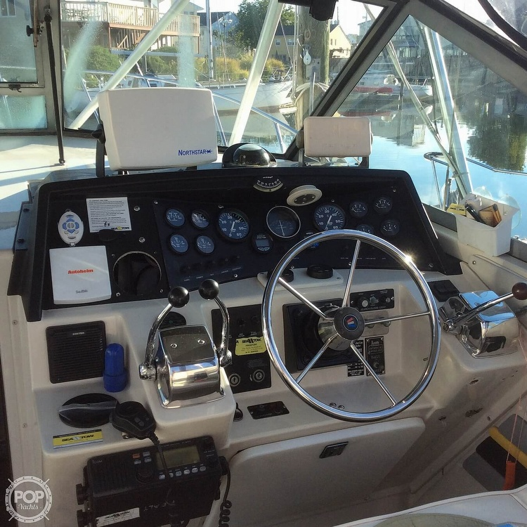 1989 Wellcraft boat for sale, model of the boat is 3300 Coastal & Image # 27 of 40