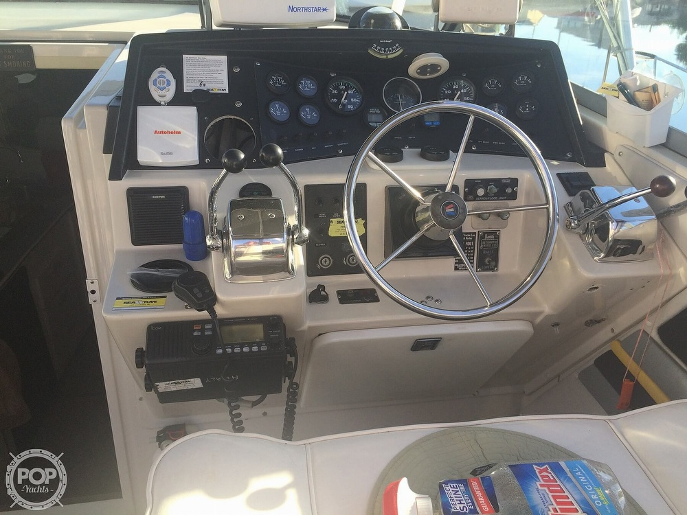 1989 Wellcraft boat for sale, model of the boat is 3300 Coastal & Image # 30 of 40