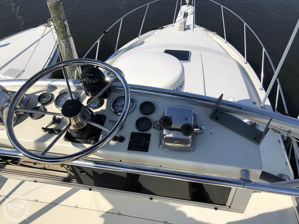 1989 Wellcraft boat for sale, model of the boat is 3300 Coastal & Image # 4 of 40