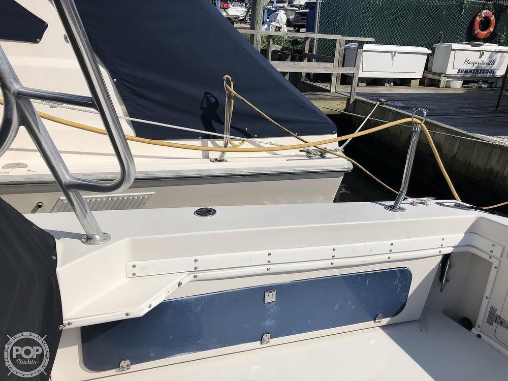 1989 Wellcraft boat for sale, model of the boat is 3300 Coastal & Image # 9 of 40