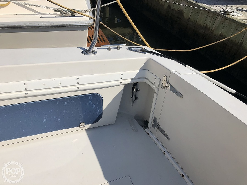 1989 Wellcraft boat for sale, model of the boat is 3300 Coastal & Image # 20 of 40