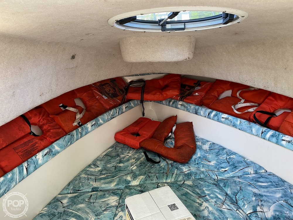2000 Seaswirl boat for sale, model of the boat is Striper 2300 WA & Image # 27 of 40